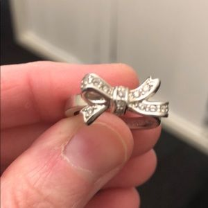 Silver bow ring size 7